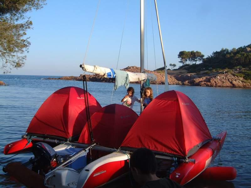 Magnum 21 : 6 couchages à bord d'un (petit) trimaran sans cabine !