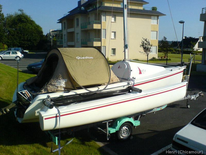 Sommier en caisses plastique nautical trek for Pellicule de plastique pour fenetre